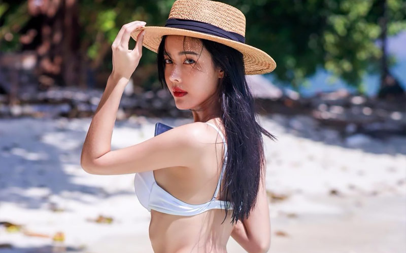 beautiful chinese girl in hat